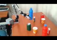 Barmen robot: Bu robot bir çok bardağın arasından istenilen bardağı sizin için alıyor.